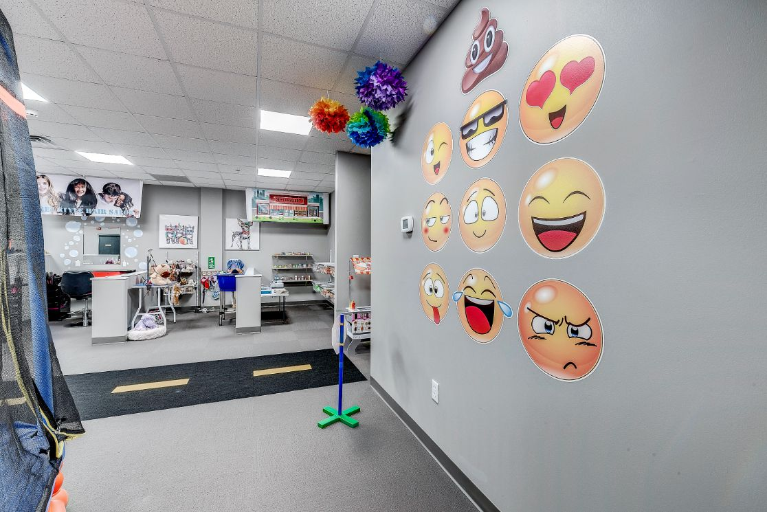 Indiana ABA Therapy Room with emoji wall